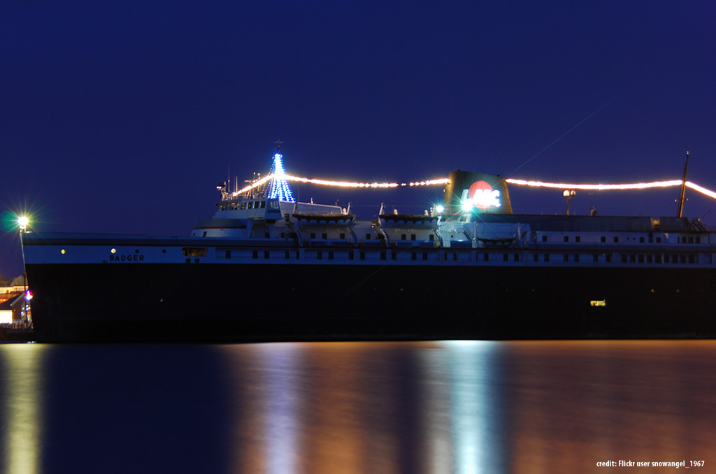 SS-Badger-at-night